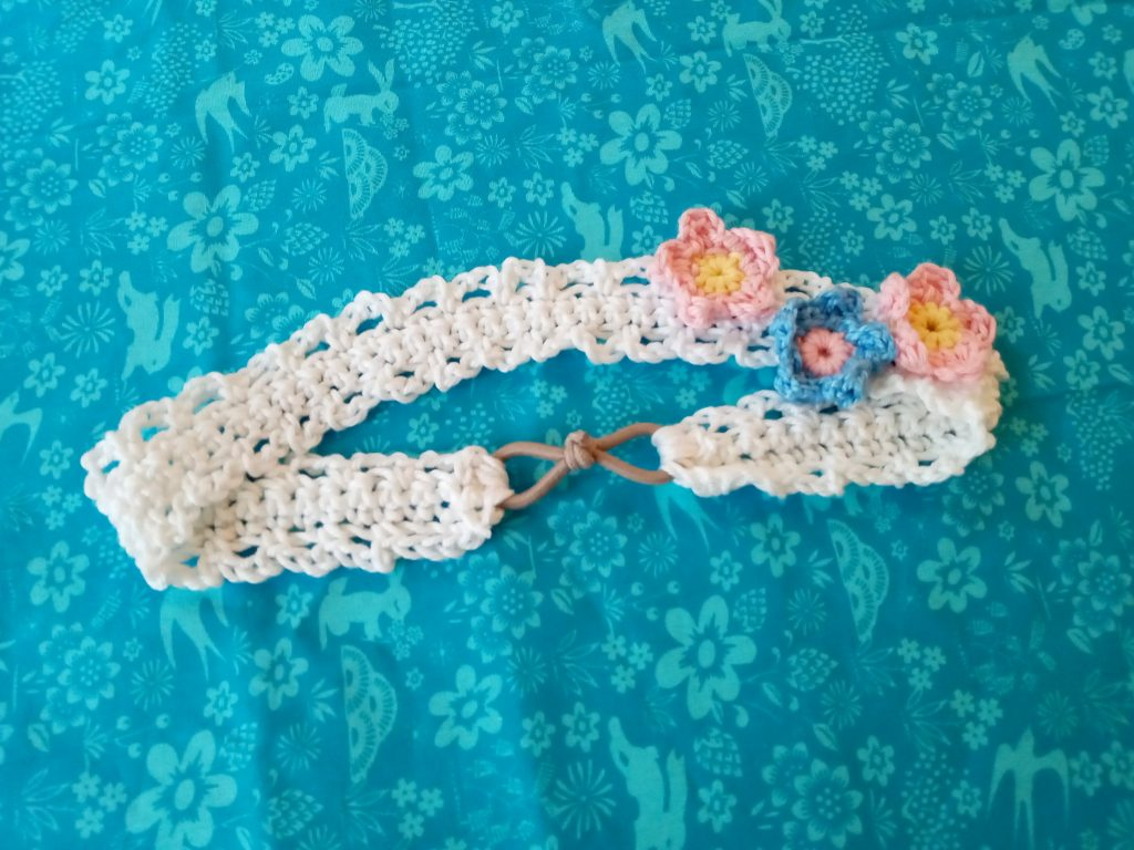 How to crochet a simple flower