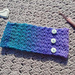 Crochet Feminine Headband with Buttons