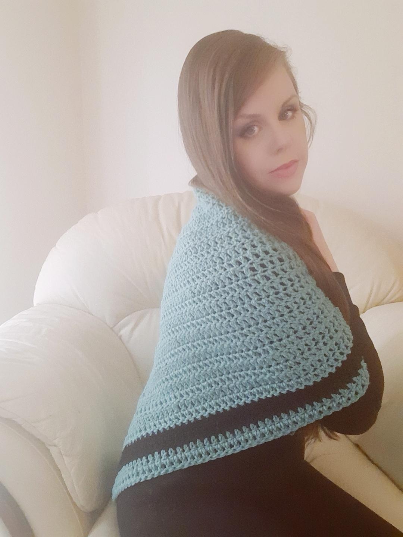 Crochet a romantic wrap